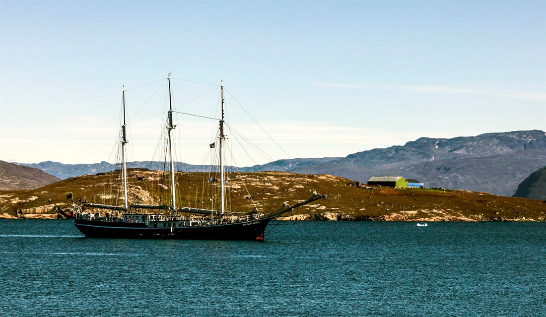 My Regent Moment: cruising in South West Greenland, by Garry Brisdion [Part 1] : Section 2