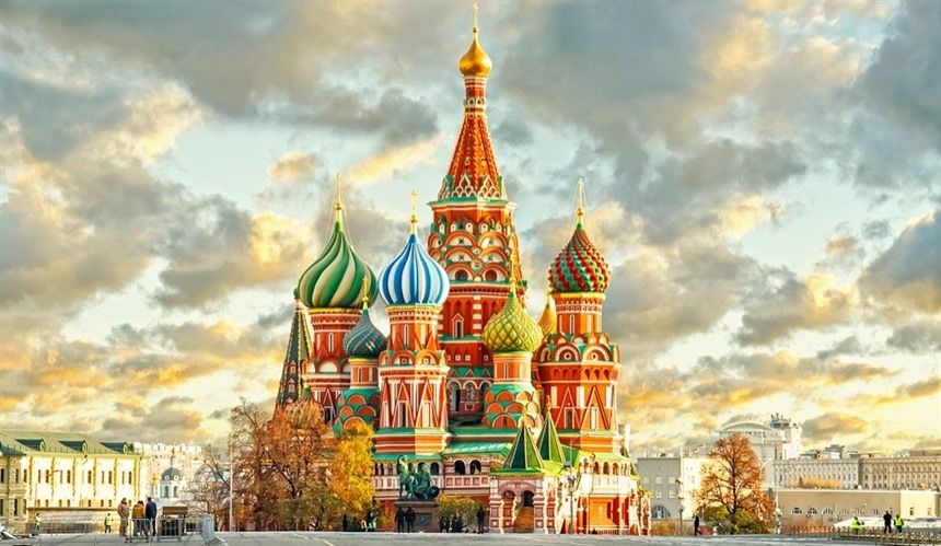 St Basil's Cathedral in Moscow is one of the iconic sights of Russia. © Shutterstock/Reidl