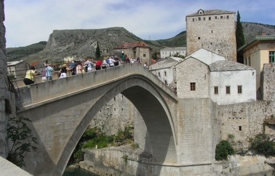 After the war: retracing childhood footsteps in Mostar : Section 3