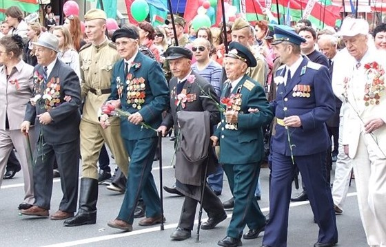 Victory day in Minsk, a very Belarusian celebration : Section 4