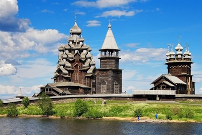 Discover Russia: the incredible wooden buildings of Kizhi island