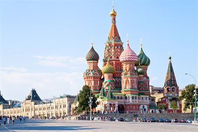 Moscow or St Petersburg; where to visit in Russia?