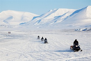 Snowmobile Safari in the Lyngen Alps 1
