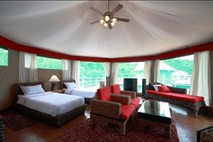 4 Rivers Floating Lodge - tent interior