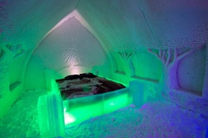 Room with Green lights at Arctic Snow Hotel