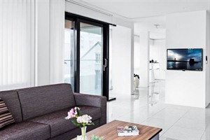 Black Pearl Apartments - living space