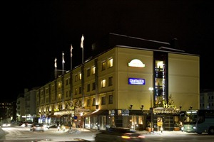 Exterior at night of City Hotel Lapland