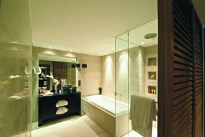 DO & CO Hotel - bathroom