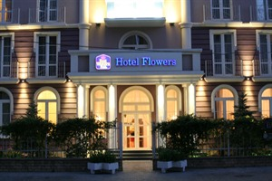 Hotel Flowers - exterior