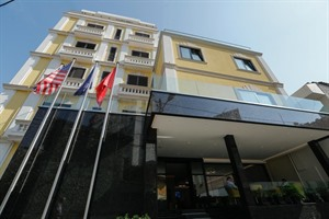 Exterior of Hotel Oxford Albania