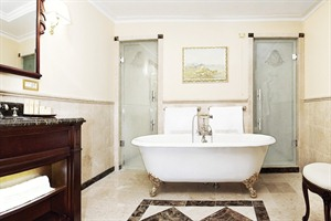 Nobil Luxury Boutique Hotel - Bathroom