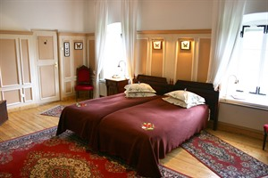 Bedroom at Padaste Manor