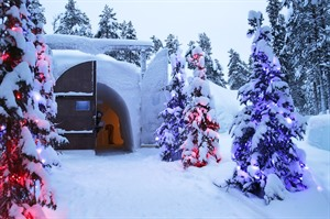 Torassieppi Winter Village Snow Igloo 1
