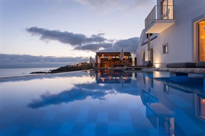 White Exclusive Suites & Villas Hotel 2