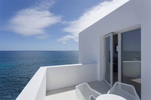 White Exclusive Suites & Villas Hotel 6