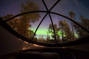 Northern Lights bubble at Nellim Wilderness Hotel
