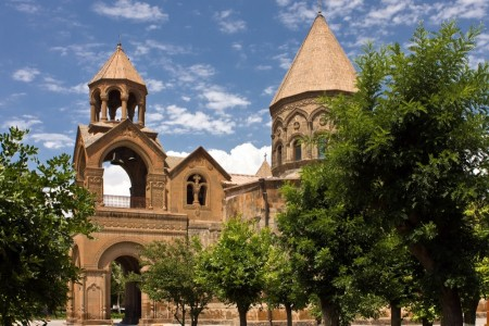 ECHMIADZIN TO CRAFTS MARKET