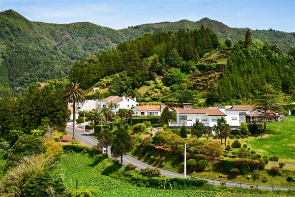 FLY TO SAO MIGUEL ISLAND