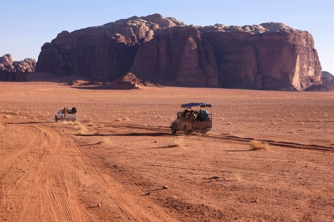 PETRA TO THE DEAD SEA VIA WADI RUM