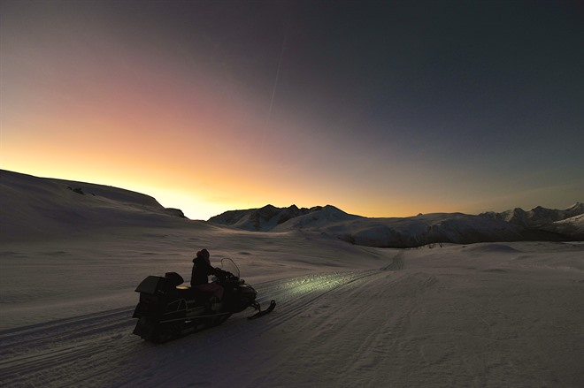 Snowmobiling in the Lyngen Alps