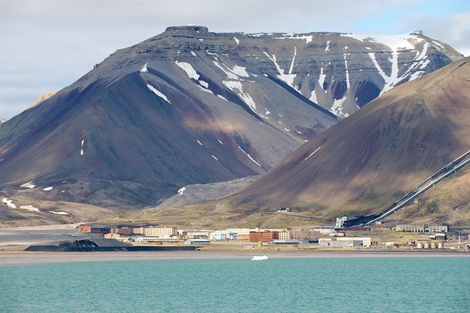 Pyramiden and the Nordenskjold Glacier