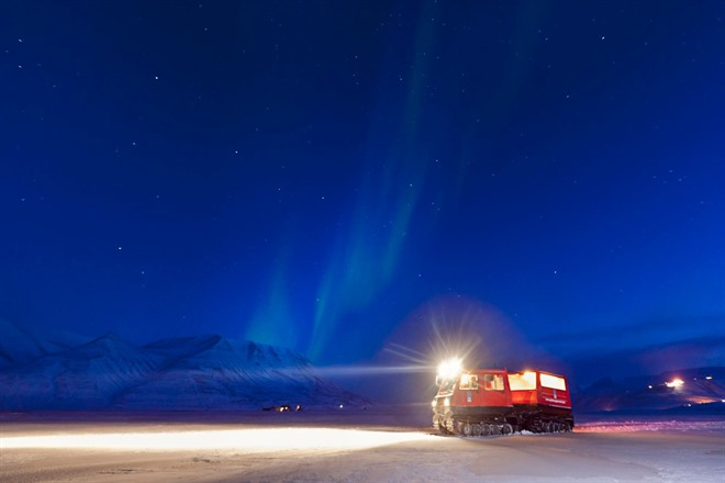 Northern Lights Safari with Snowcat