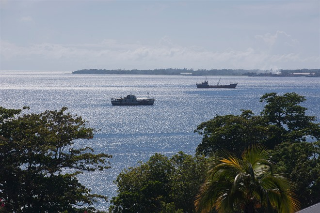 ARRIVE IN HONIARA