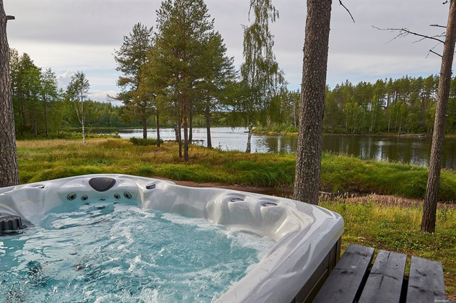 A private Jacuzzi comes which each Log Cabin stay at Arctic Retreat
