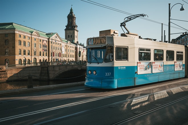 Blue Tram and German Church ©Peter Kvarnström/Göteborg & Co