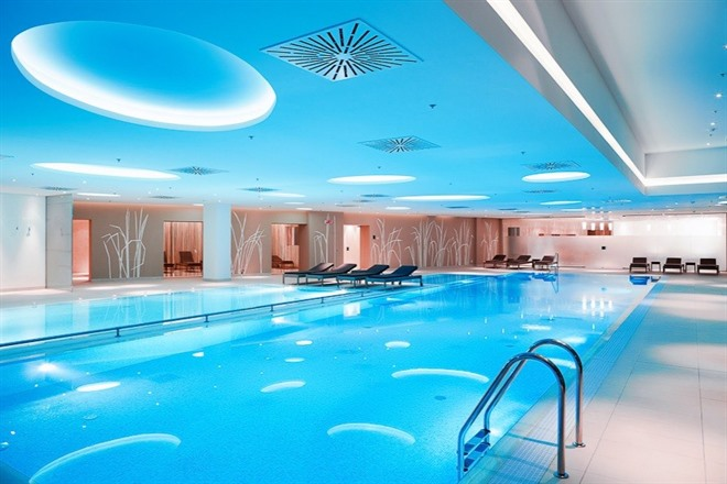 Radisson Bukovel - swimming pool