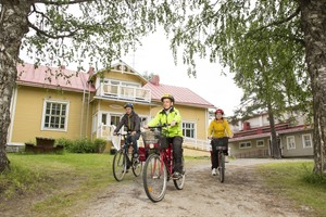 Cycle to each guesthouse