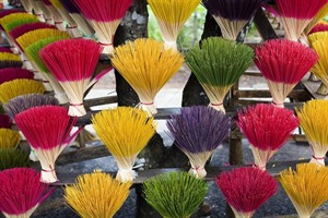 Colourful incense, Hue