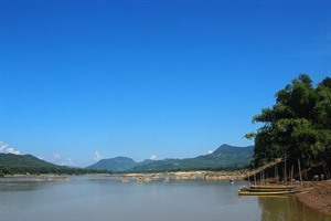 Cruise the Laos Mekong 2