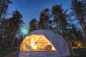 Glamping under the Autumn Auroras 4