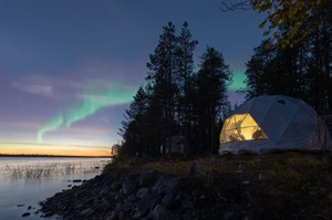 Glamping under the Autumn Auroras 7