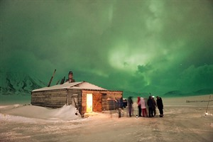 Spitsbergen Light Winter Break at the Coal Miners' Cabins 4