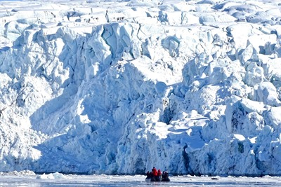 Arctic Cruises - Polar Bears & Pack Ice Cruise - M/V Hondius