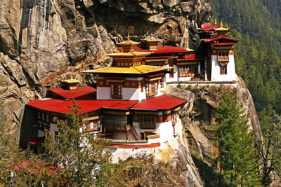 Bhutan Holiday: Land of the Thunder Dragon